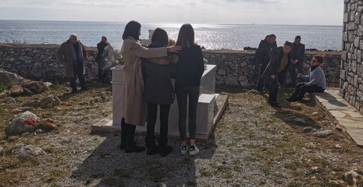 Ένας χρόνος από τον θάνατο του Θέμου – Το συγκινητικό μνημόσυνο στη Μάνη