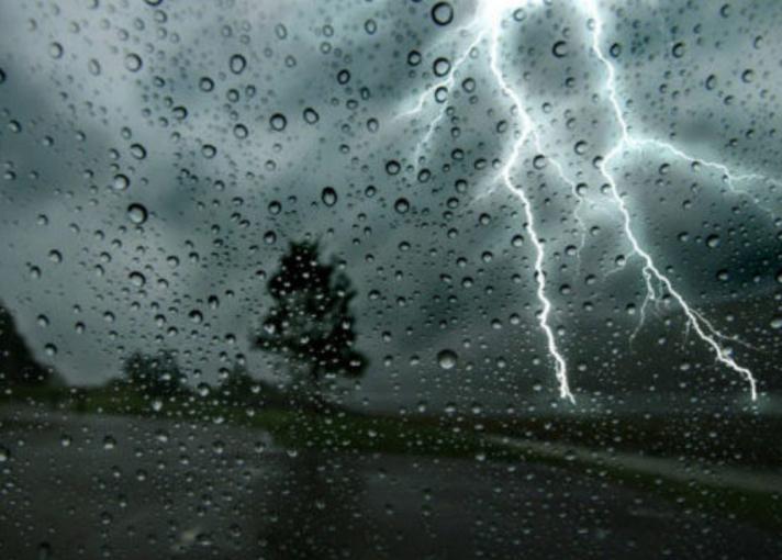 Καιρός: Καταιγίδες και ισχυροί άνεμοι – Πού θα είναι έντονα τα φαινόμενα