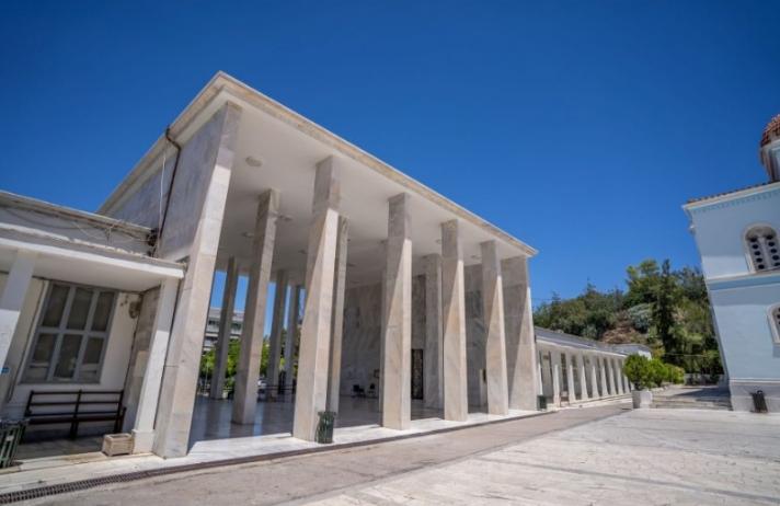 Στο Α' Νεκροταφείο Αθηνών Η κηδεία του Τόλη ( αποκλειστικό)
