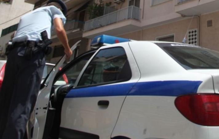 Ιδιοκτήτης μπαρ αναζητούσε αστυνομικό για να του επιστρέψει το «ξεχασμένο» υπηρεσιακό του όπλο