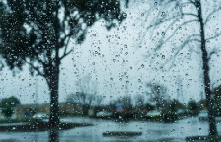 Εκτακτο δελτίο επιδείνωσης του καιρού: Βροχές, καταιγίδες και χαλάζι την Πέμπτη
