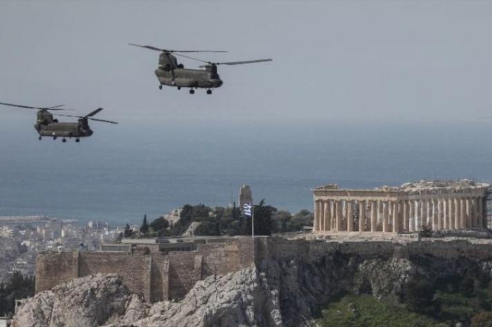Ολιγόλεπτη τελετή με κατάθεση στεφάνων και πτήση μαχητικών Mirage στην άδεια Αθήνα. Τι συζήτησαν βιαστικά οι πολιτικοί αρχηγοί...