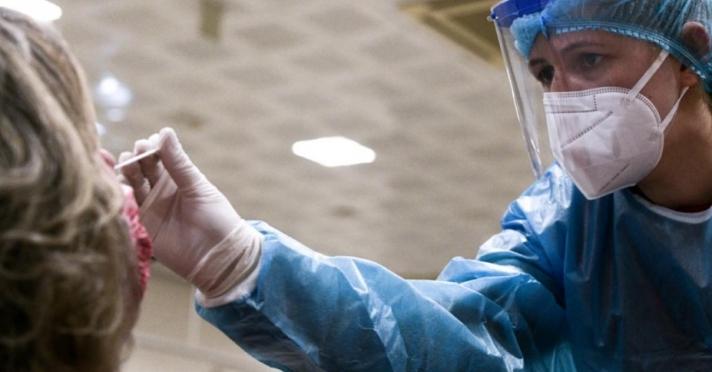 Από σήμερα τεστ σε μη εμβολιασμένους εργαζόμενους έξι περιοχών