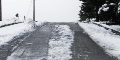 Προβλήματα στην κυκλοφορία των οχημάτων σε Αρκαδία, Κορινθία και Μεσσηνία λόγω χιονοπτώσεων