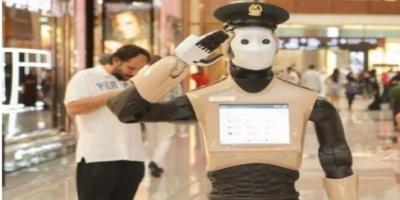 Αστυνομικός ρομπότ περιπολεί στο Ντουμπάι