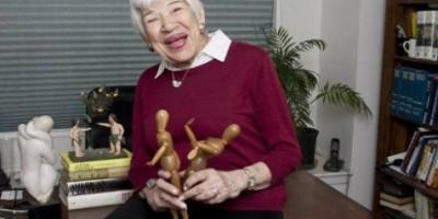 Ακου τη γιαγιά: Τι λέει μια 100χρονη σεξολόγος για το σεξ…